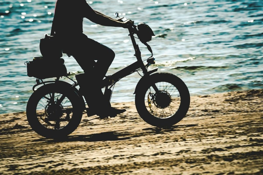 can electric bikes be used manually